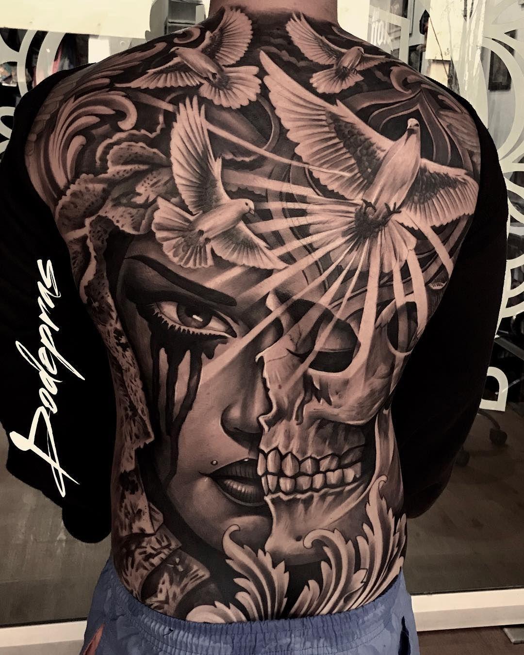 tatuagem nas costas masculina