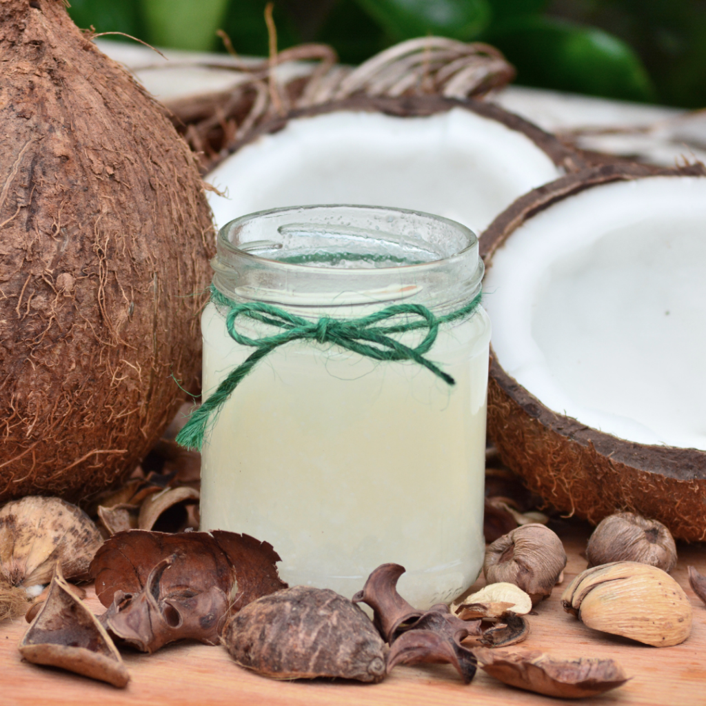 óleos capilares - óleo de coco - cabelo cacheado