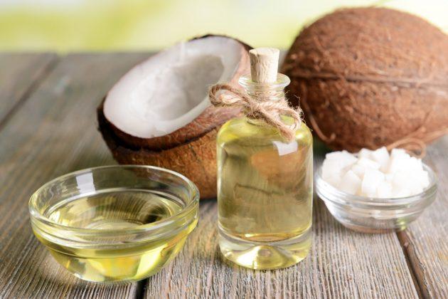 Hidratação com óleo de coco - cabelo cacheado